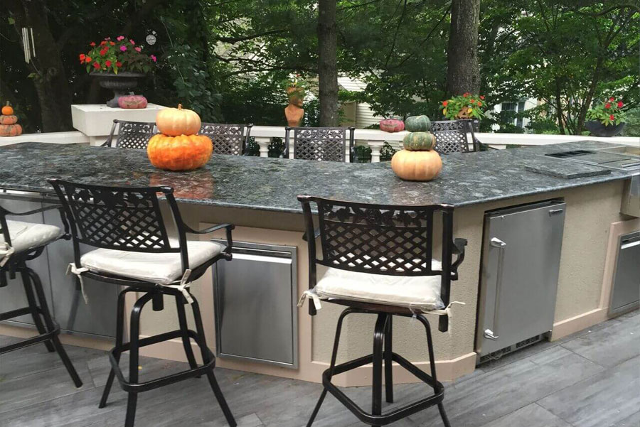 outdoor kitchen island-style grilling station